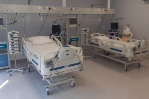 Czeladź: liczba łóżek na intensywnej terapii wzrosła do ośmiu, szpital ma też nowy ambulans
