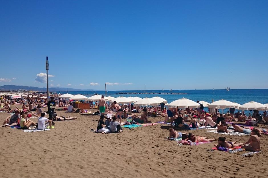 Hiszpania: bezpieczniej jest unikać dużych kurortów, klubów i dyskotek