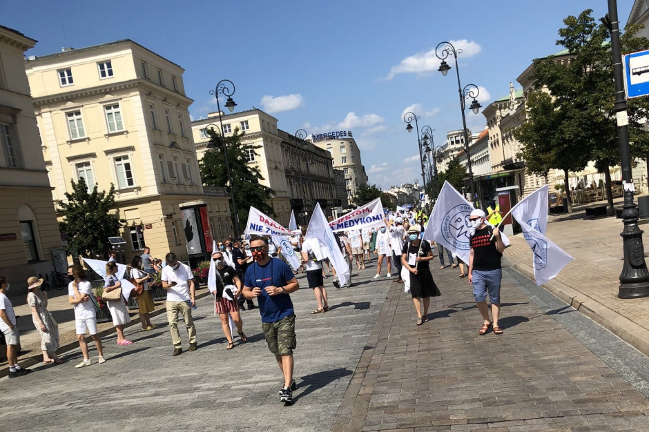 Belgia: pracownicy służby zdrowia demonstrowali w Brukseli. Żądają dofinansowania systemu