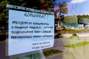 Czechy: do sklepów w Pradze od 9 września znów w maseczkach ochronnych