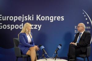 Beata Drzazga: pandemia jest trudnym egzaminem z zarządzania w sektorze medycznym