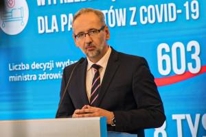 Jest zapowiadana prezentacja MZ: więcej łóżek COVID-19 i zaostrzenie obostrzeń w powiatach