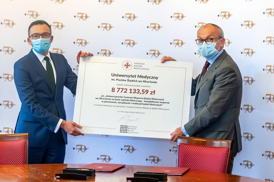 Wrocław: UM podpisał umowę na powstanie Centrum Wsparcia Badań Klinicznych
