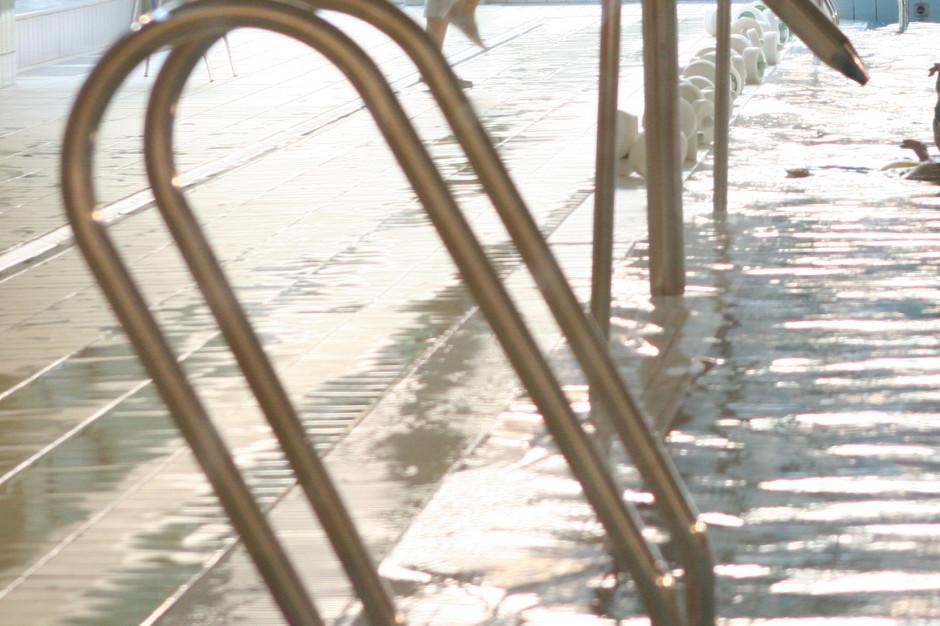 Ekspert: to nie baseny są źródłem zakażeń, tylko zbiorowiska ludzkie