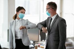 Koronawirus: pracodawcom także biznesowo opłaca się dbać o zdrowie pracowników