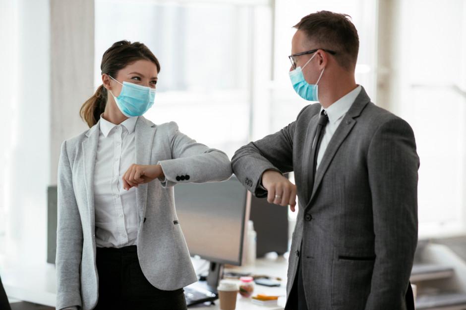 Ekspert: pilnie potrzebujemy regulacji dotyczących szczepień pracowników