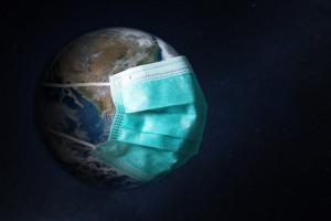Eksperci bez złudzeń o pandemii: światełko w tunelu zobaczymy w okolicach majówki