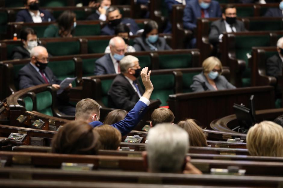 Sejm przyjął ustawę o zawodzie farmaceuty. Zwiększy się jego znaczenie w ochronie zdrowia?