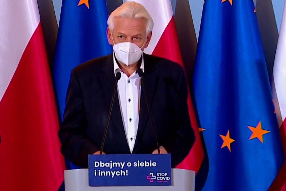Prof. Horban: koronawirusem codziennie zakaża się w Polsce około 100 tys. ludzi