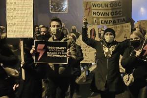 W polskich miastach odbyły się kolejne protesty przeciwko wyrokowi TK ws. aborcji