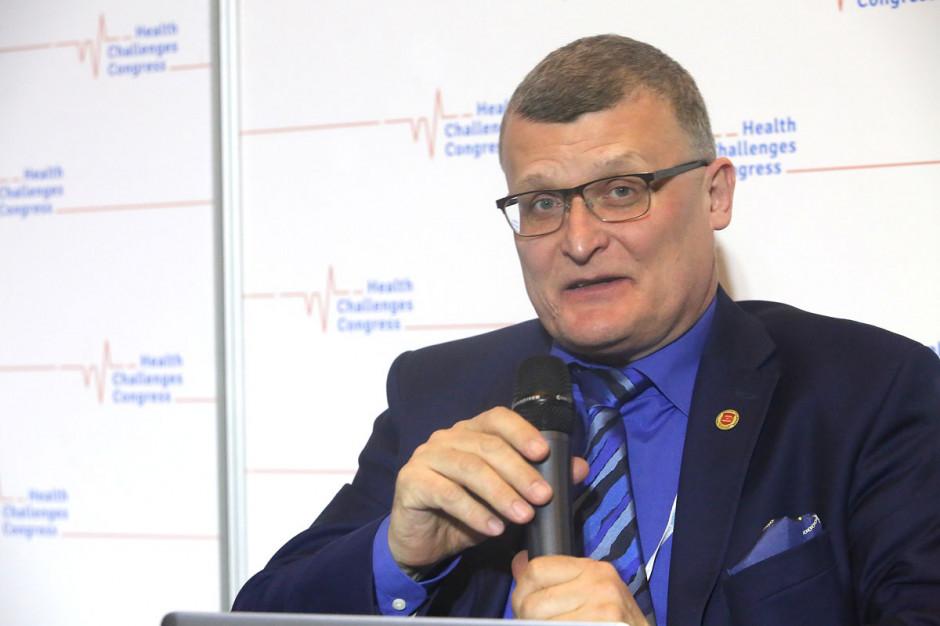Dr Grzesiowski: co weekend koronawirus ma wolne w statystykach