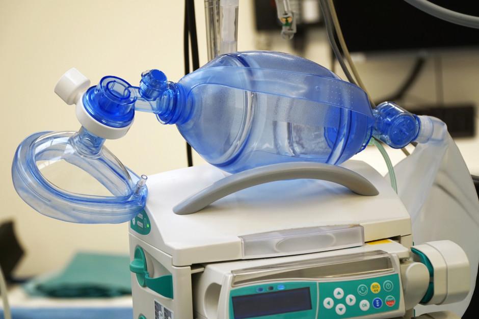 W całym kraju jest aktualnie zapas łóżek covidowych i respiratorów