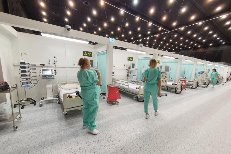 Pierwszy pacjent w szpitalu tymczasowym w Katowicach