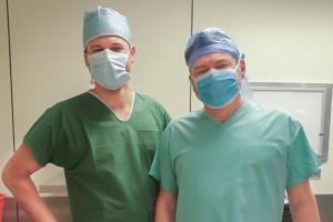 WUM: pierwsza jednoczasowa anatomiczna resekcja wątroby oraz lewostronna hemikolektomia