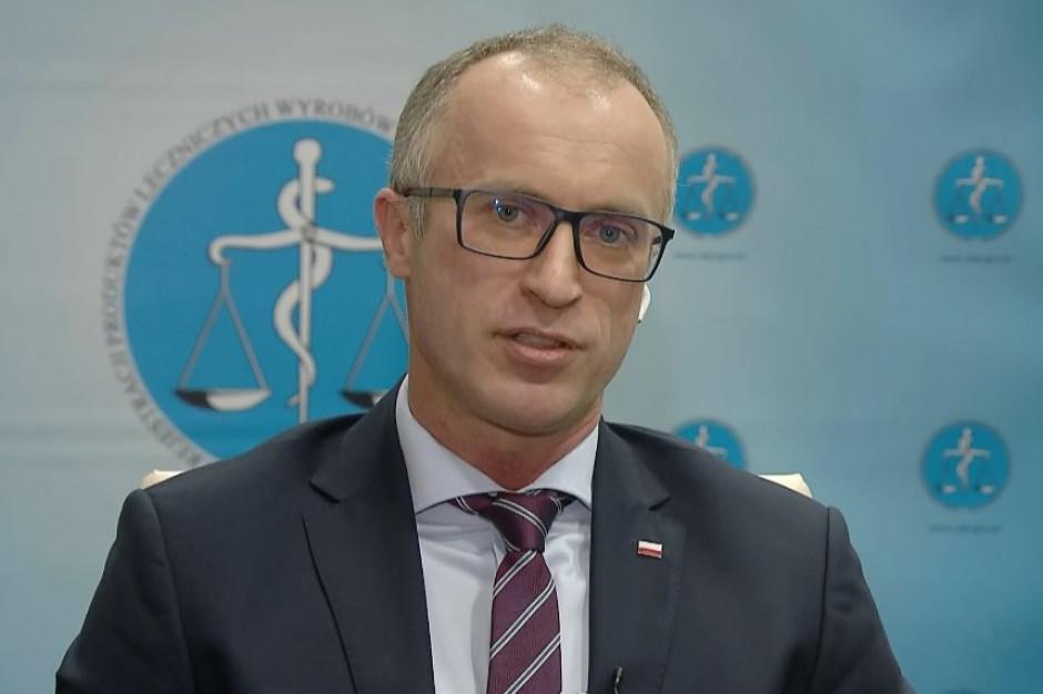 Dr Cessak: w poniedziałek spodziewajmy się pozytywnej rekomendacji EMA dotyczącej szczepionki