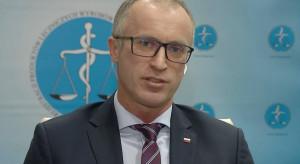 Prezes Cessak o deksametazonie: pomocny dla otrzymujących tlen pacjentów z COVID-19