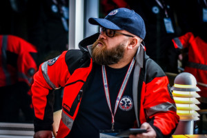 Piotr Dymon: bez płacowego porozumienia z ratownikami medycznymi, karetki będą puste