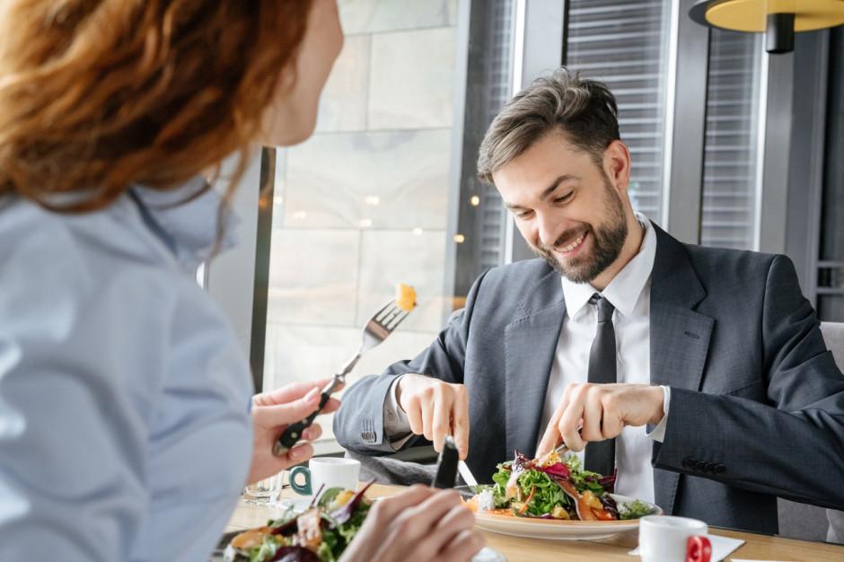 Włochy: bary i restauracje w niektórych regionach - otwarte. W sumie kilkaset tysięcy lokali