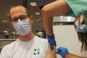 Szpital Narodowy: 52 pacjentów na 84 gotowe łóżka, personel w trakcie szczepień