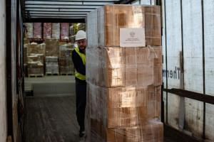 Warmińsko-Mazurskie i Pomorskie otrzymają miliony maseczek - trafią do wojewodów, potem do samorządów