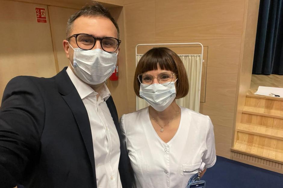 Prezes ARM informuje: zaszczepiliśmy 80 tys. Polaków. Ostrzega też WUM i szpitale