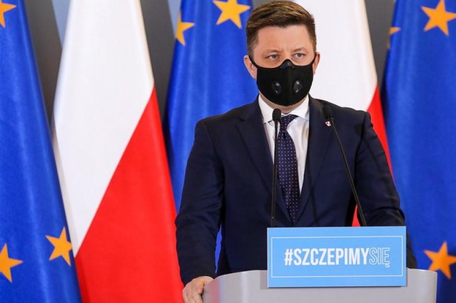 """Szczepienia: rząd na razie nie zlikwiduje """"furtki"""" do omijania kolejek"""