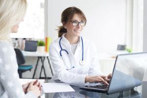 Elektroniczna dokumentacja  medyczna na dobre wypiera papierową