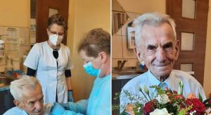 Świdnica: zaszczepiono przeciwko COVID-19 najstarszego Polaka, ma 111 lat