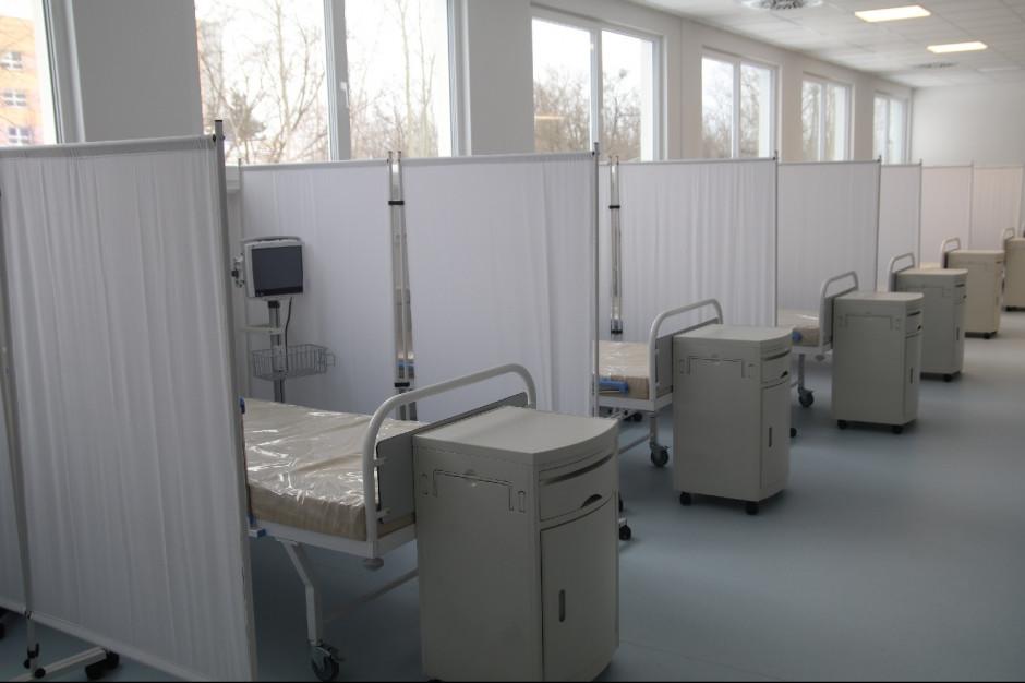 Tak wygląda szpital modułowy w Legnicy. Jest gotowy, by przyjąć ok. 100 chorych na Covid-19