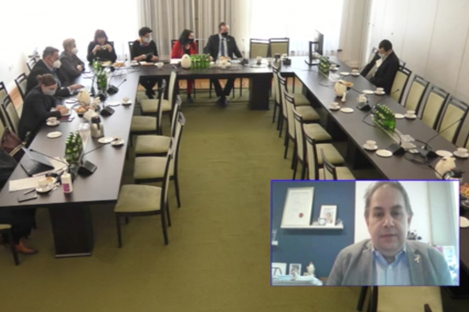 Senat: specjaliści rozmawiali o szczepieniu dzieci przeciwko COVID-19 - zobacz retransmisję