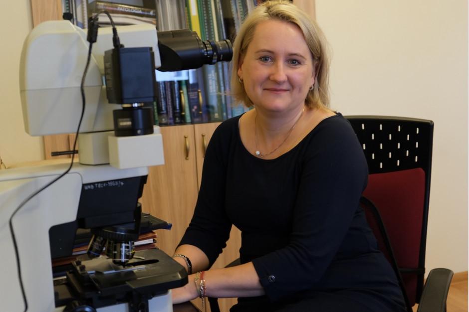 Dr hab. Joanna Reszeć: nowe warianty koronawirusa wykryliśmy przypadkowo, będziemy je badać