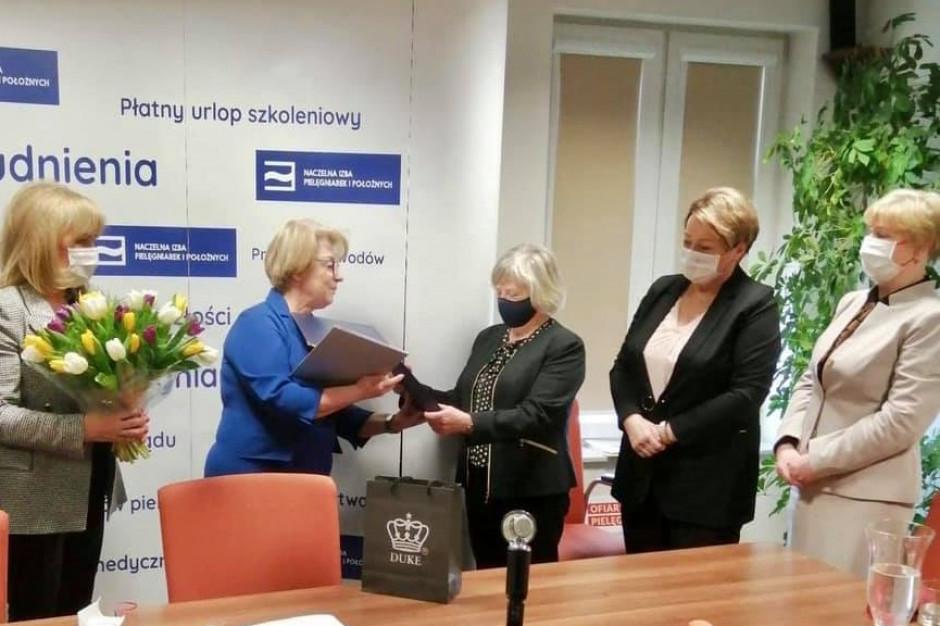 NIPiP gratuluje kolejnej pielęgniarce z tytułem profesora