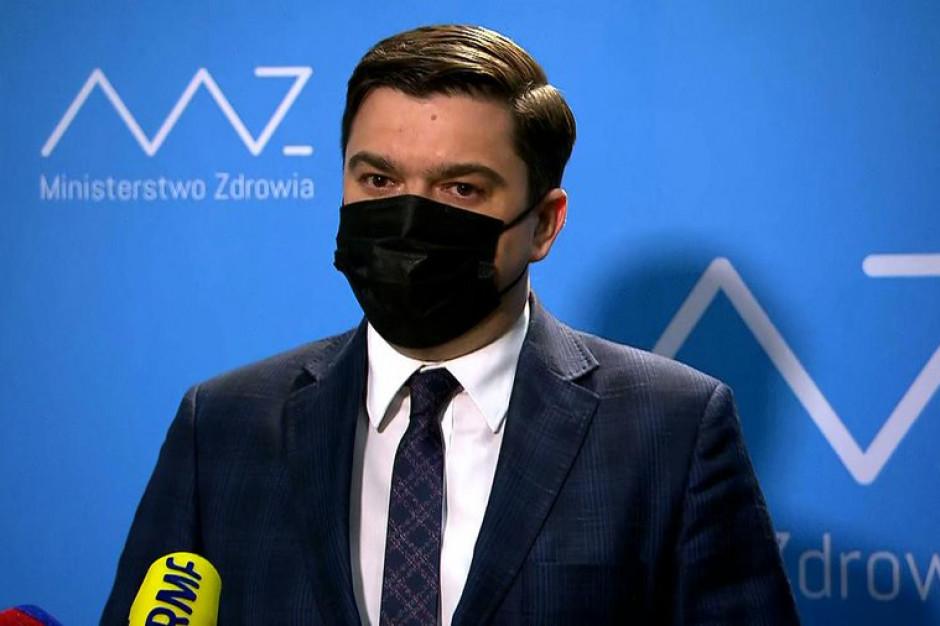 Andrusiewicz: zakażenia spadają, ale w szpitalach sytuacja nie będzie lepsza