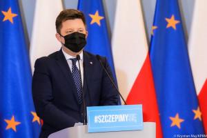 Minister Dworczyk ponownie przeprasza i zapewnia, że rejestracja na szczepienia działa