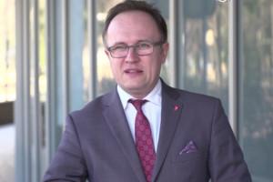 Ekspert: bez farmaceutów i innych zawodów nie zaszczepimy Polaków tak szybko, jak chcemy