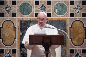 Papież w orędziu na Wielkanoc o dystrybucji szczepionek przeciwko Covid-19