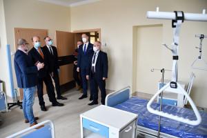 Pełnomocnik ministra zdrowia w szpitalu Radomiu bez umowy o pracę