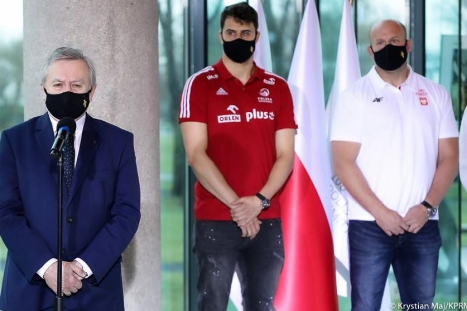 Polskich olimpijczyków i reprezentację piłki nożnej zaszczepią przeciw Covid-19