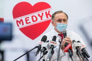 Rzeszowski CM Medyk rozważa zaprzestanie szczepień. Ma dość fake newsów