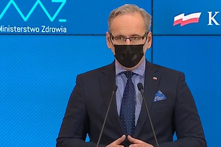 Minister Niedzielski: zdjęcie maseczek jeszcze nie teraz. Może za tydzień?