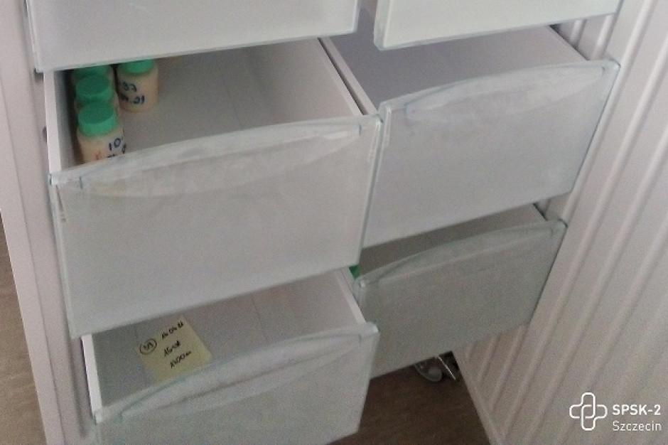 Lodówki Banku Mleka Kobiecego w Szczecinie zaczynają świecić pustkami