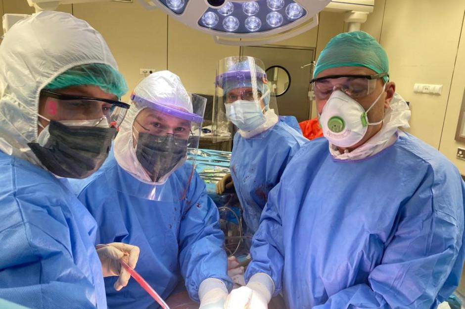 Pierwsza w Polsce transplantacja wątroby u nastolatki zakażonej koronawirusem