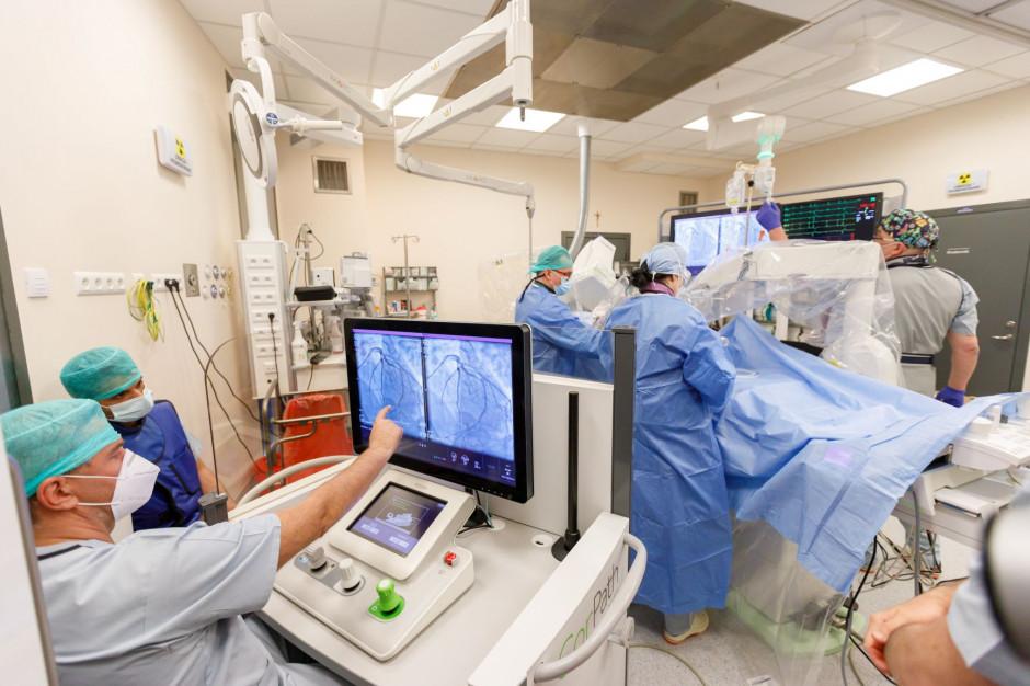 """Specjaliści: pacjentów nie operują roboty z """"Gwiezdnych wojen"""""""