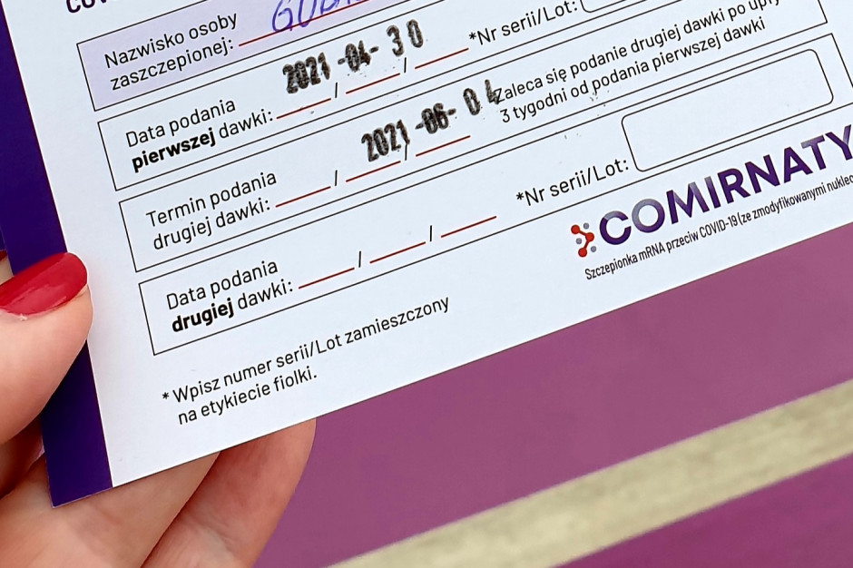 Nie publikujcie w internecie dowodów szczepienia przeciw Covid-19 - apelują eksperci