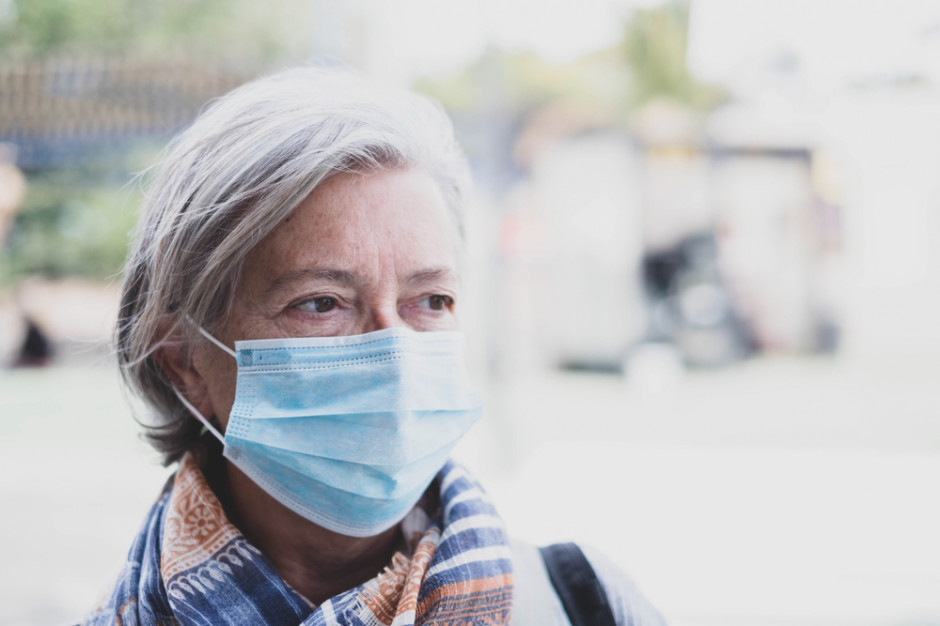 Czy lekarze z POZ przekonają seniorów do szczepień? Jest plan, jak to zrobić