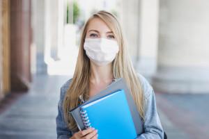Dr Grzesiowski o szczepieniach 16-latków: pod względem zdolności zakażania nie różnią się od dorosłych