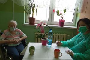 Po 14 miesiącach seniorzy z placówki w Zabrzu mogli zobaczyć się z bliskimi