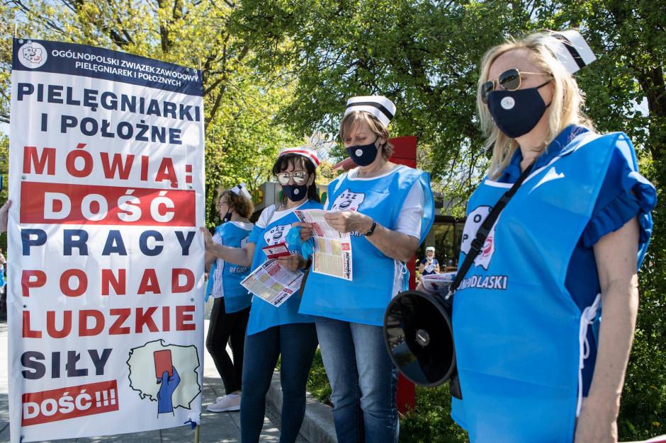 Pielęgniarki podają termin strajku ostrzegawczego w szpitalach w całej Polsce