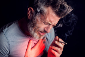 Prof. Mróz: 10 lat palenia tytoniu to przepis na raka płuc