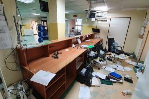 Szpital pokazuje zdjęcia zdemolowanego SOR i zapewnia: pacjent był przyjęty bez zwłoki